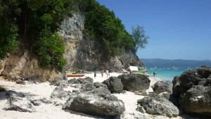 Diniwid Beach - it's nice place at a rock formation (facing southward)